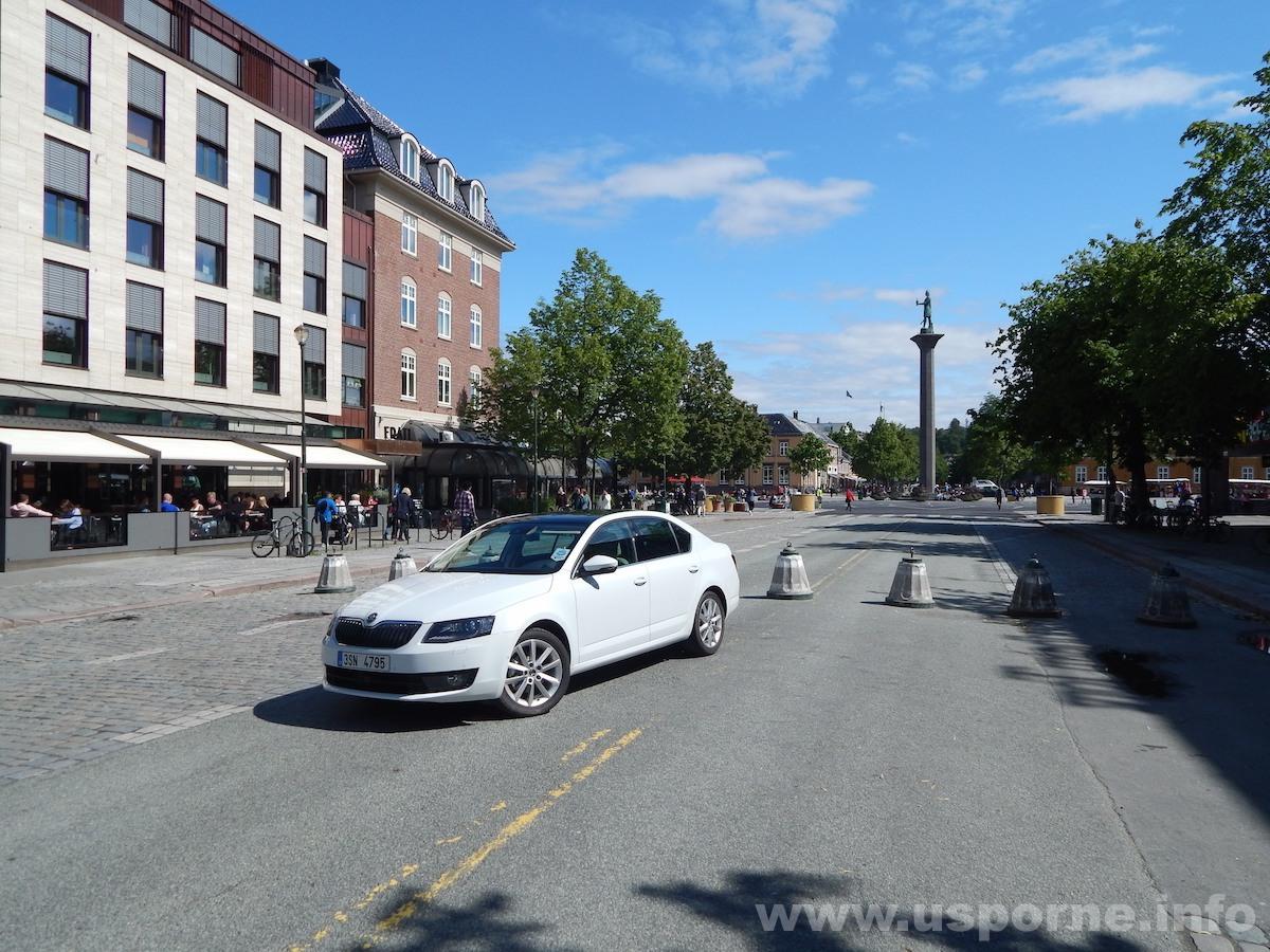 Škoda Octavia G-Tec - Trondheim náměstí