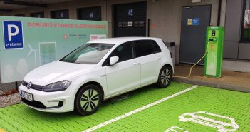 Volkswagen e-Golf - zepředu