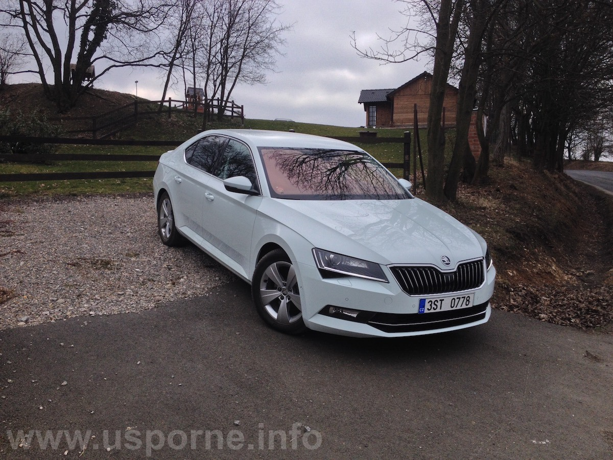 Škoda Superb GreenLine 1,6 TDI 88 kW - zepředu