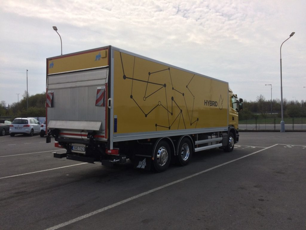 Scania P 320 Hybrid - zezadu