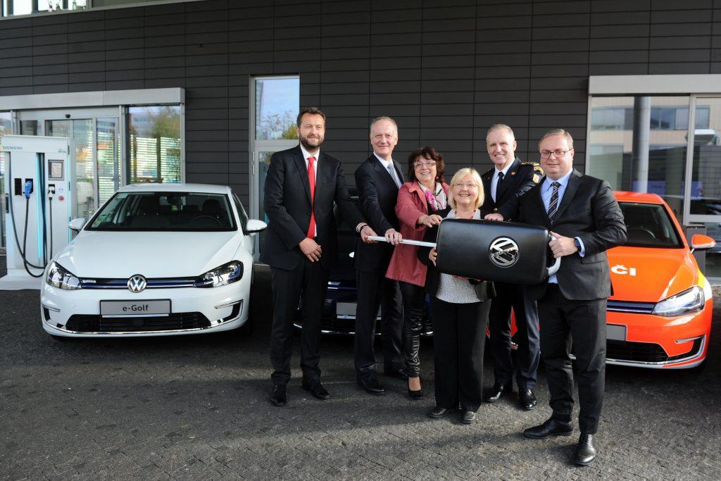 Předáni prvních 5 vozů VW e-Golf