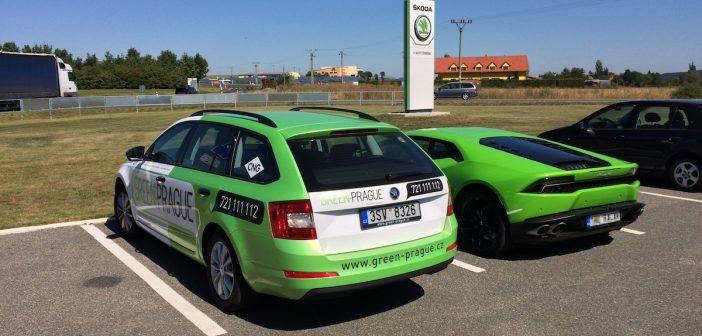 Škoda Octavia G-TEC (extrémní test) a Lamborghini Huracan