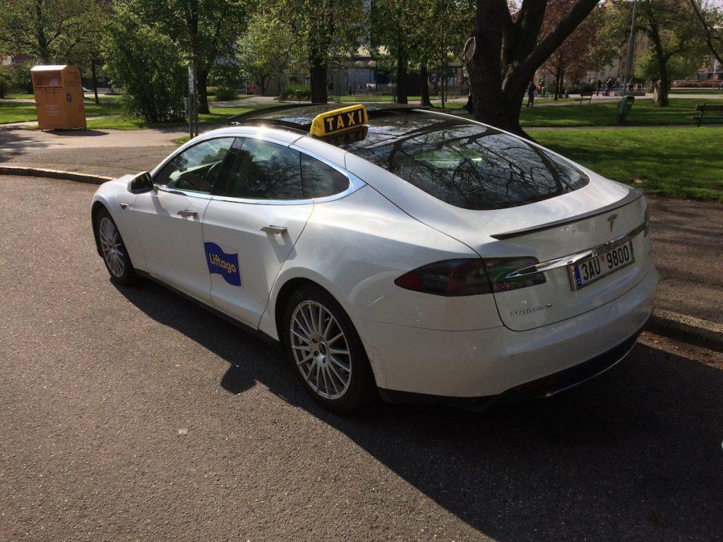Tesla Liftago - zezadu