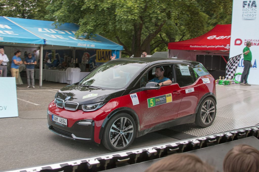 7. Czech New Energies Rallye - sjíždíme z rampy