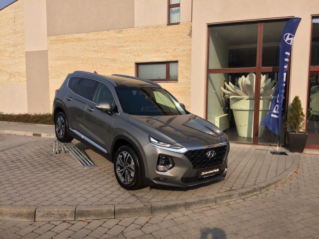 Hyundai Santa Fe - hybrid