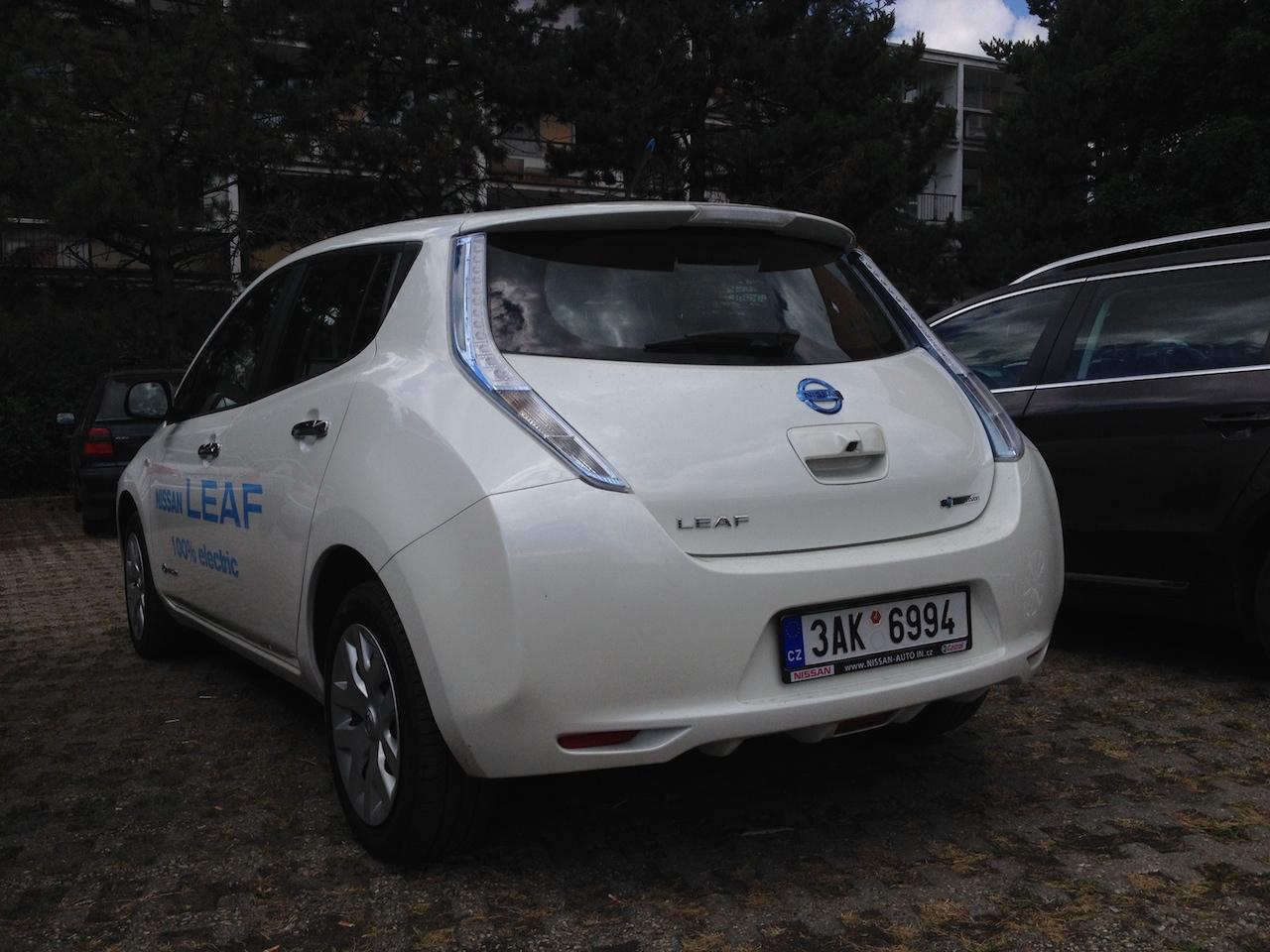 Nissan Leaf zezadu