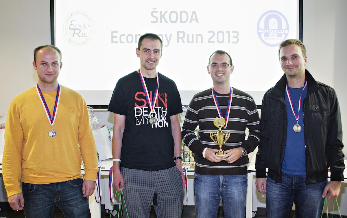 Škoda Economy Run 2013, naše (vlevo) druhé místo kategorie MEDIA