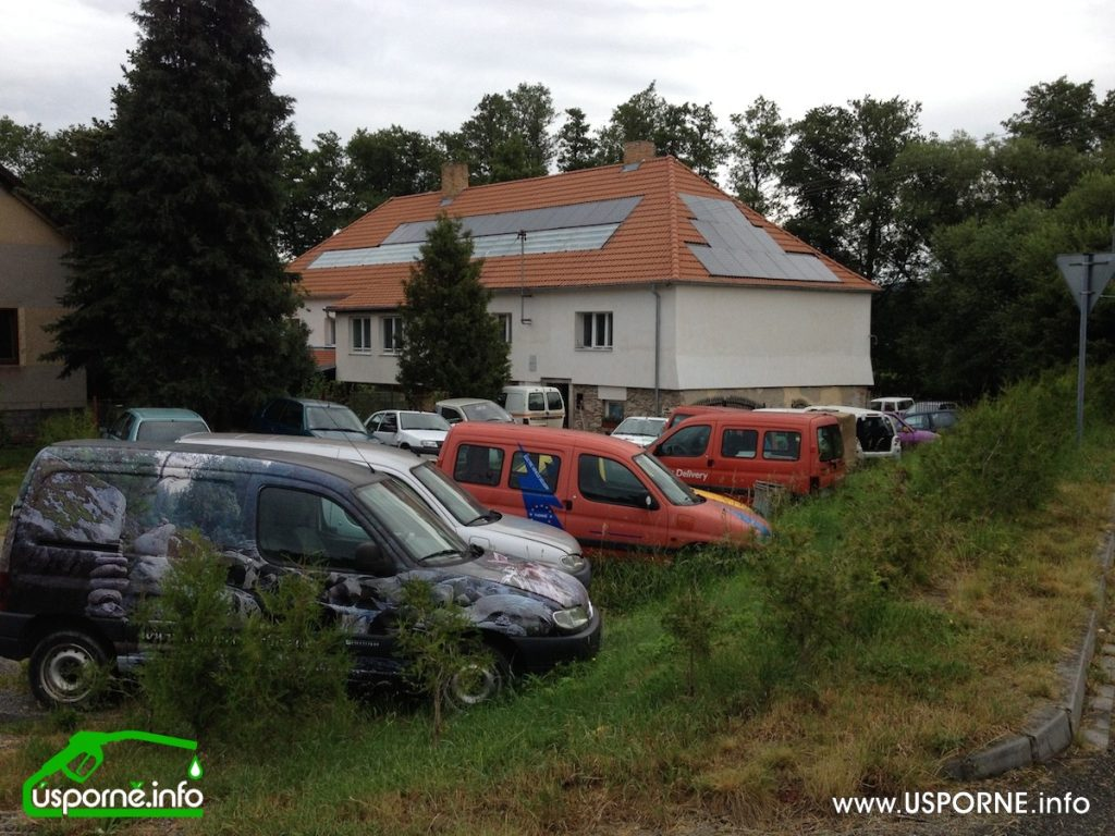 """""""Vrakoviště"""" elektromobilů Prčice"""