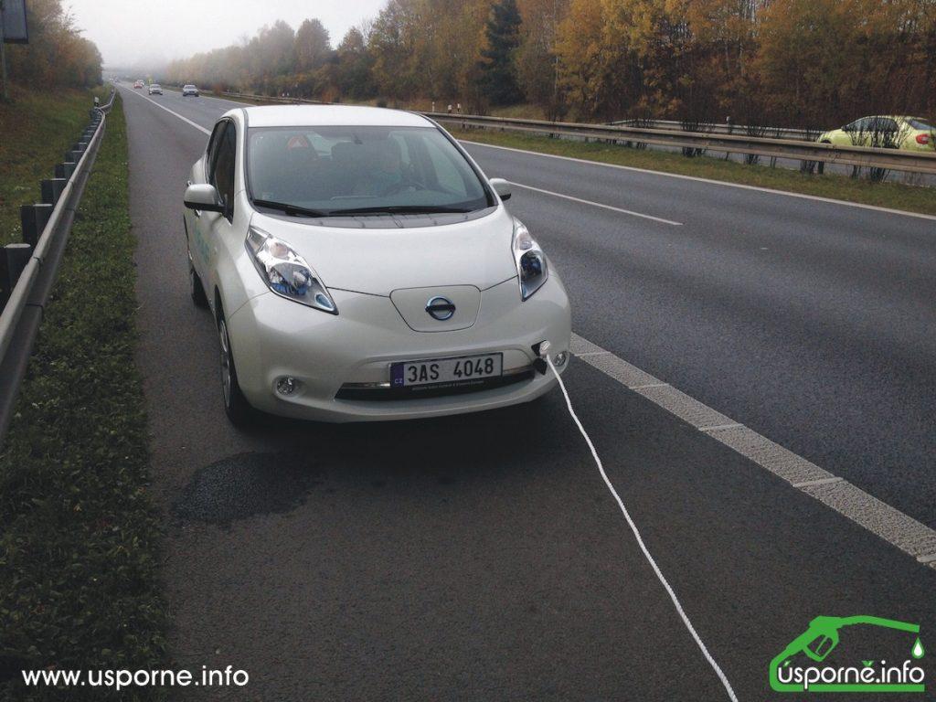 Nissan Leaf na laně