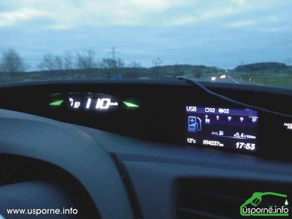 Po dálnici 110 km/h na tempomat