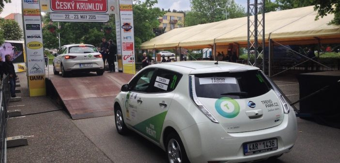 Nissan Leaf na společném startu New Energies Rallye Český Krumlov