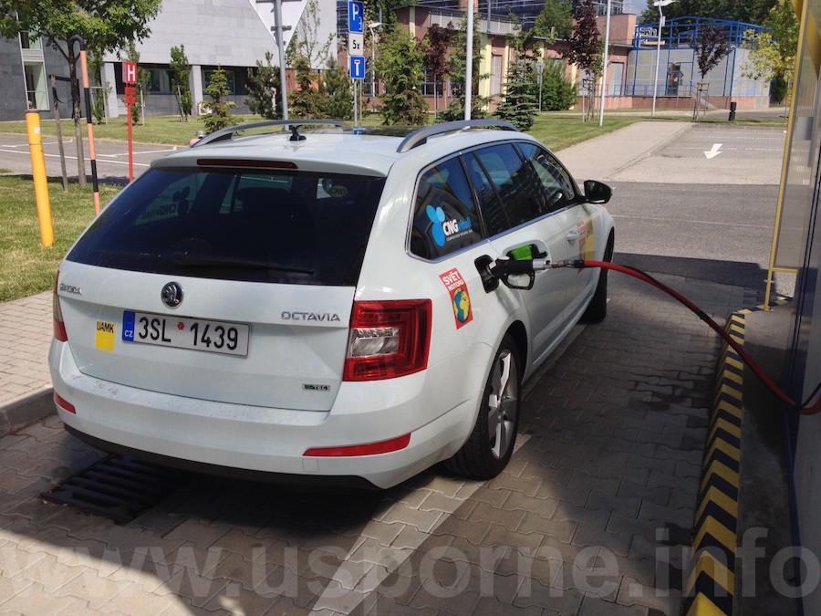 V Bratislavě jsme při tankování CNG čekat nemuseli