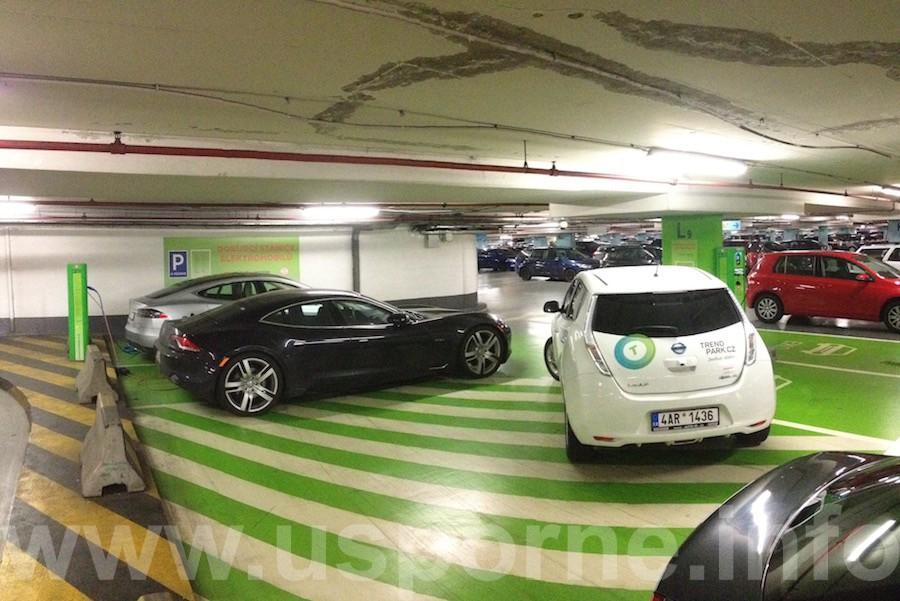 V OC Nový Smíchov - Nissan Leaf jako chudý kamarád