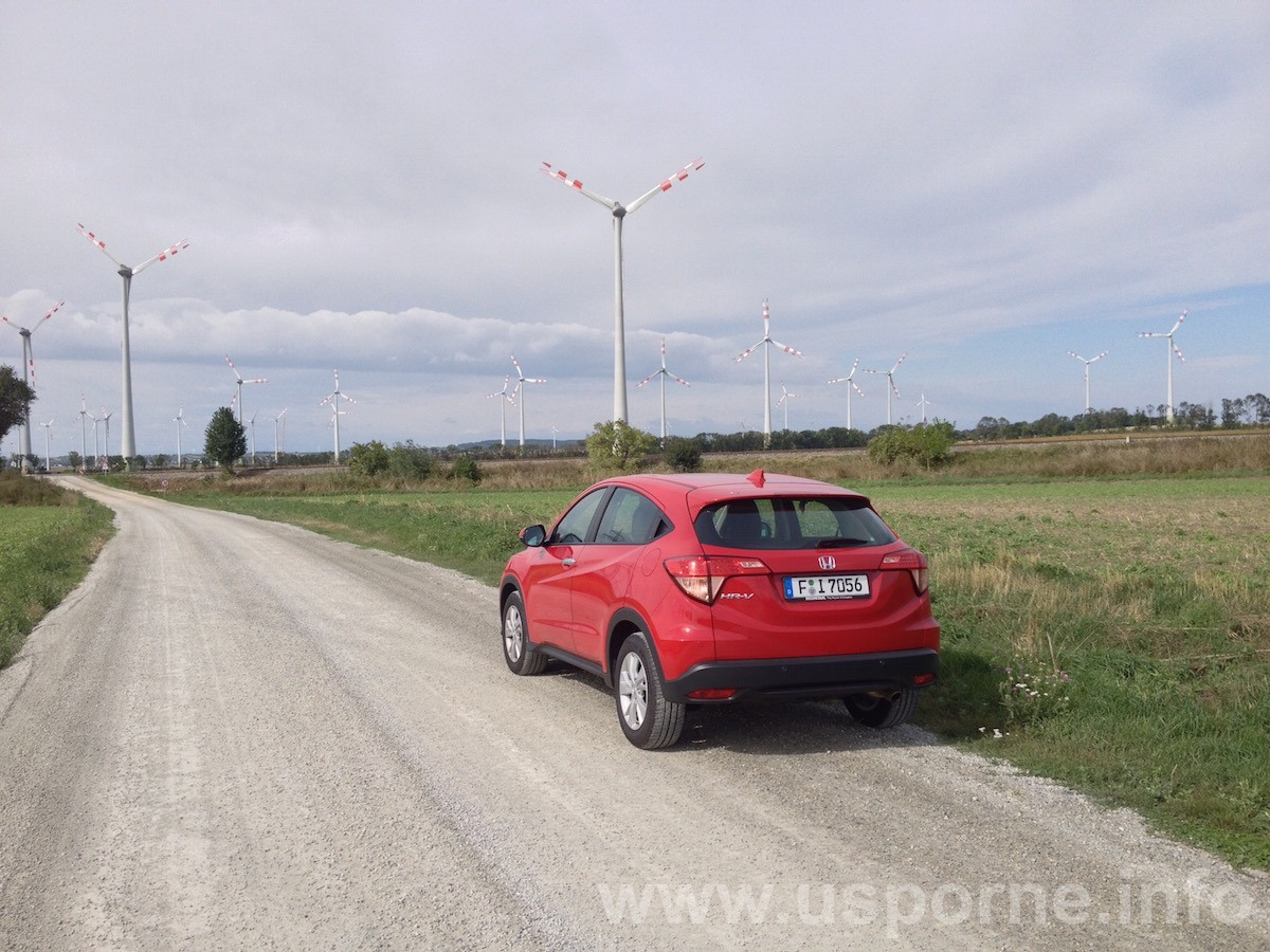 Honda HR-V 1,5 i-VTEC, převodovka CVT, červená