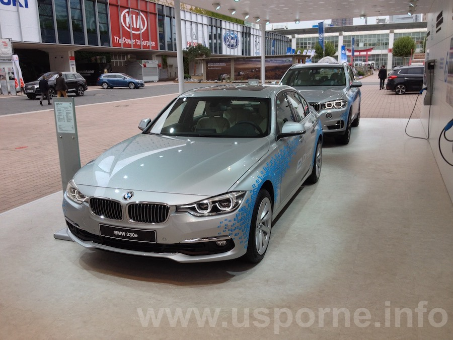 BMW 330e, plug-in hybrid z řady eDrive zepředu