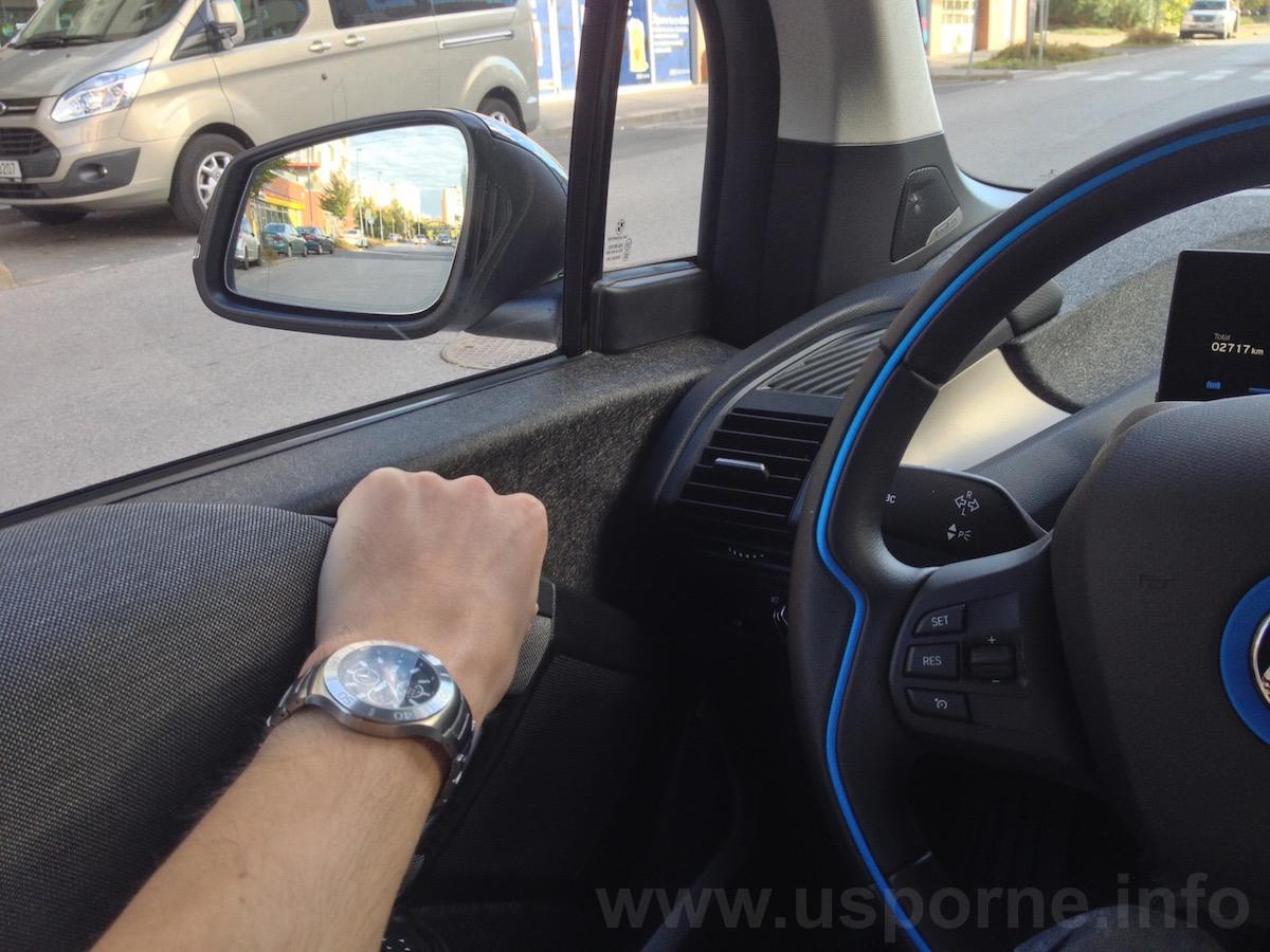 Zavírání dveří v BMW i3 je docela nepohodlné