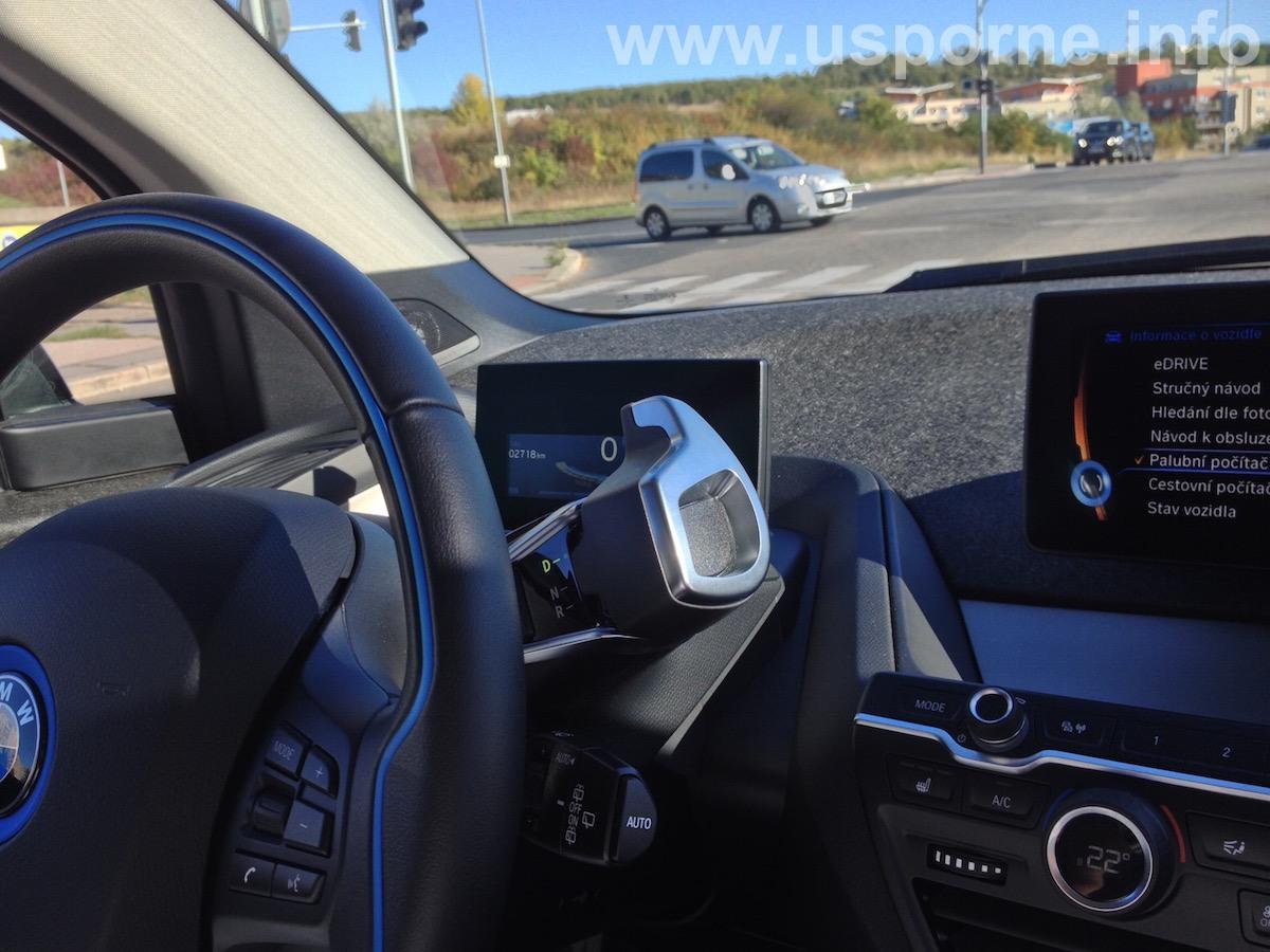 """""""Řadicí páka"""" v BMW i3 je nezvykle umístěna"""