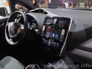 Modernizovaný interiér Nissan Leaf