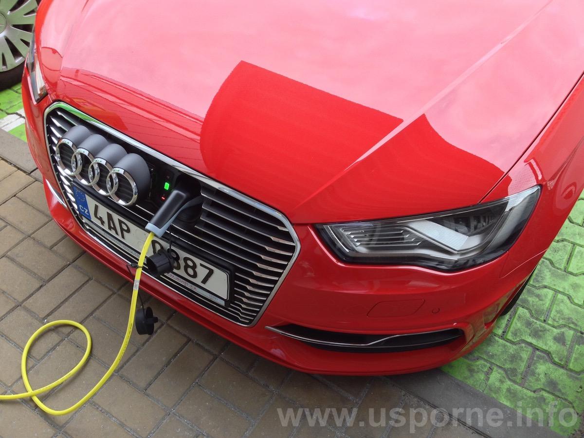 Při dobíjení jde logo Audi stranou
