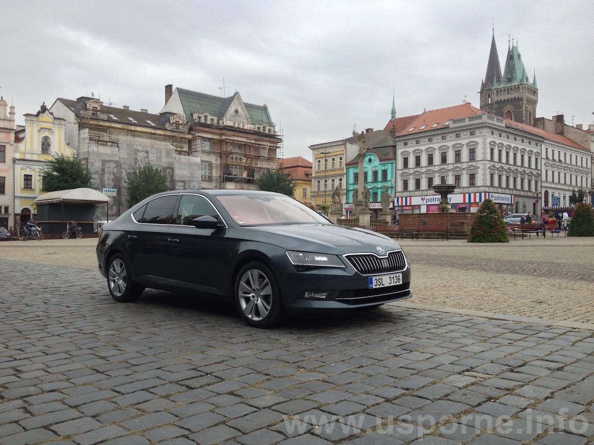 Škoda Superb 1,6 TDI 88 kW zepředu