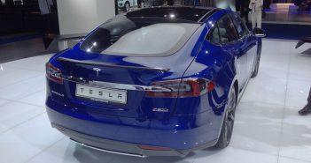 Tesla Model S P90D s lepší baterií a delším dojezdem