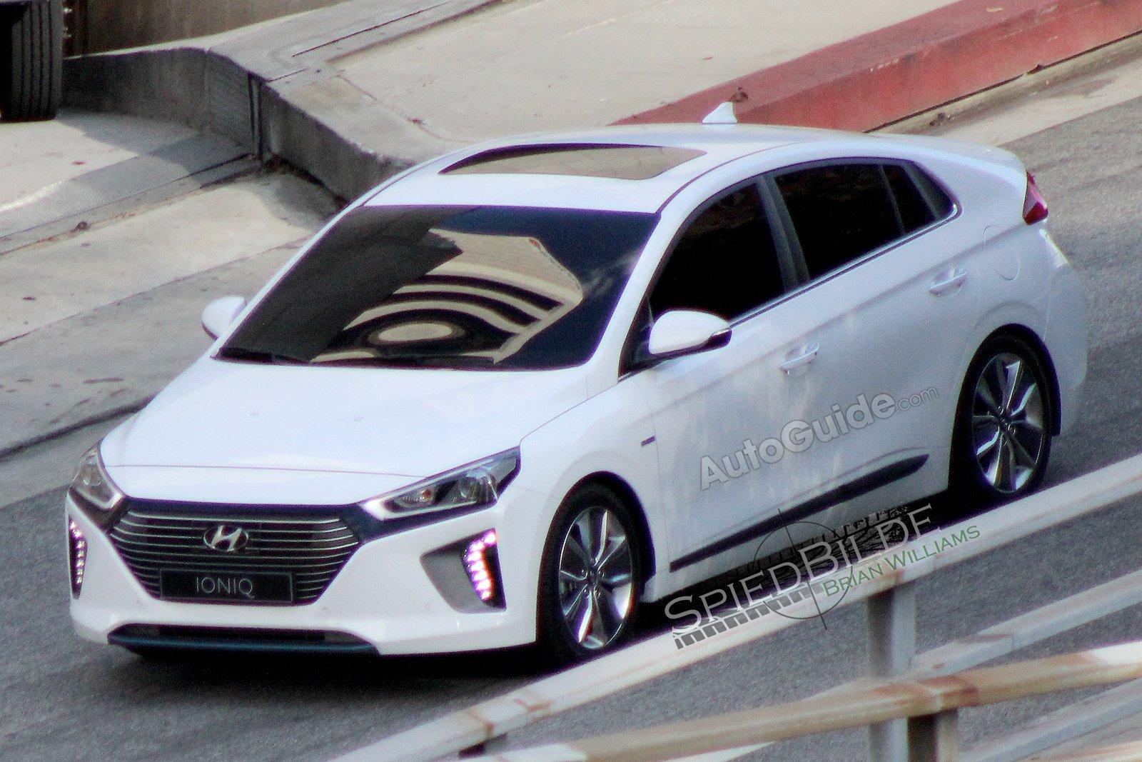 Hyundai Ioniq zepředu
