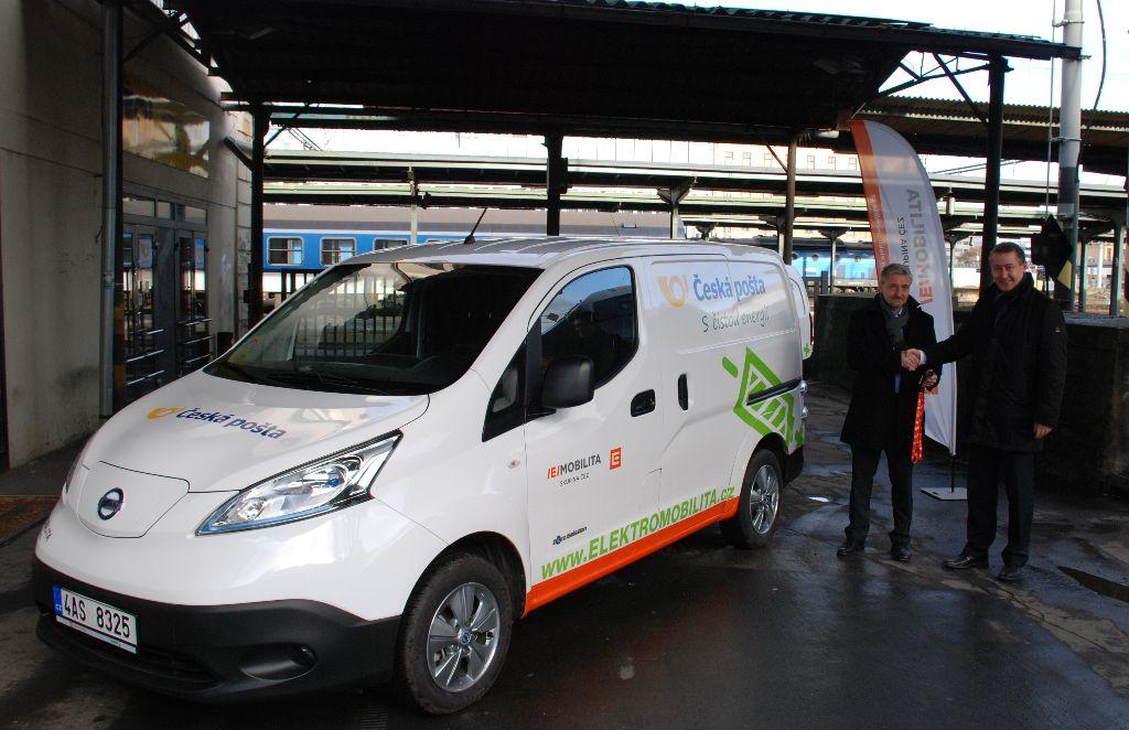 Předání Nissanu e-NV200 (ČEZ - Česká-pošta)