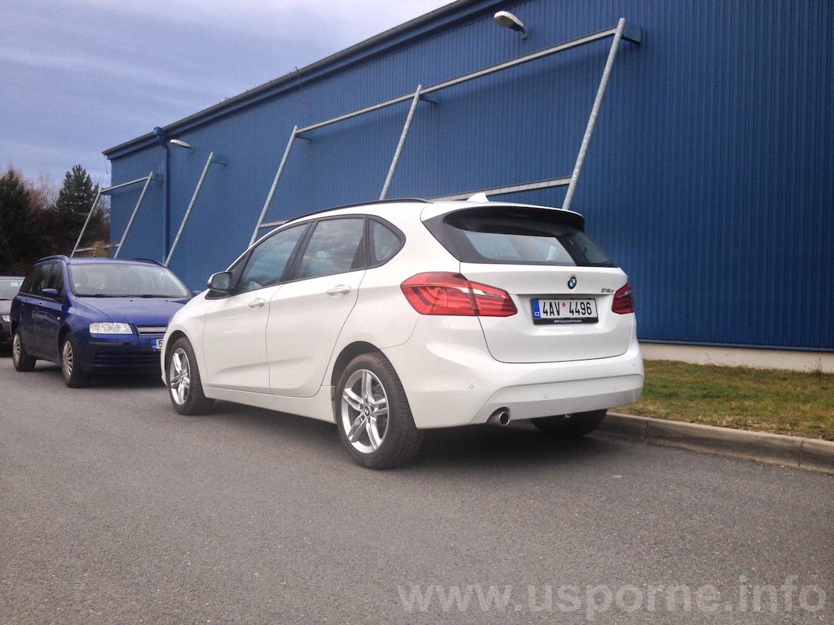 BMW 216d Active Tourer - zezadu