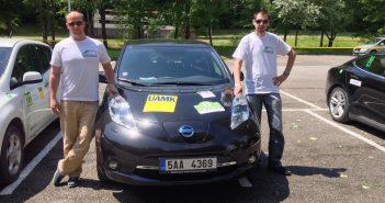 Nissan Leaf v cíli - posádka Marek Tomíšek, David Kazda