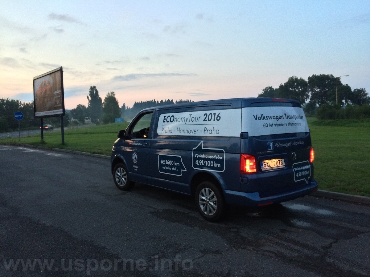 Volkswagen Transporter - cestou zpět už se stmívalo
