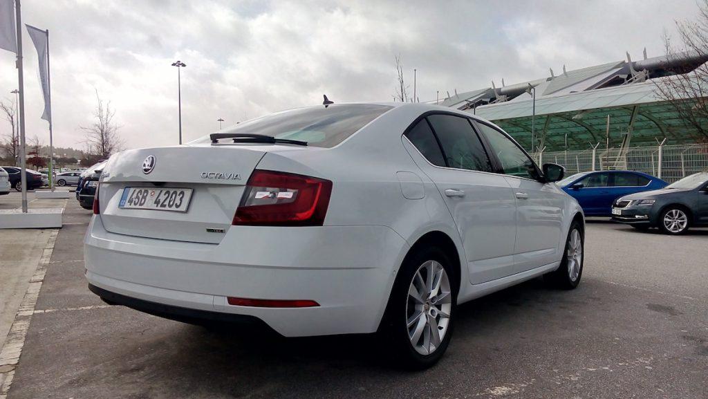 Nová Škoda Octavia 2017 G-TEC – zezadu
