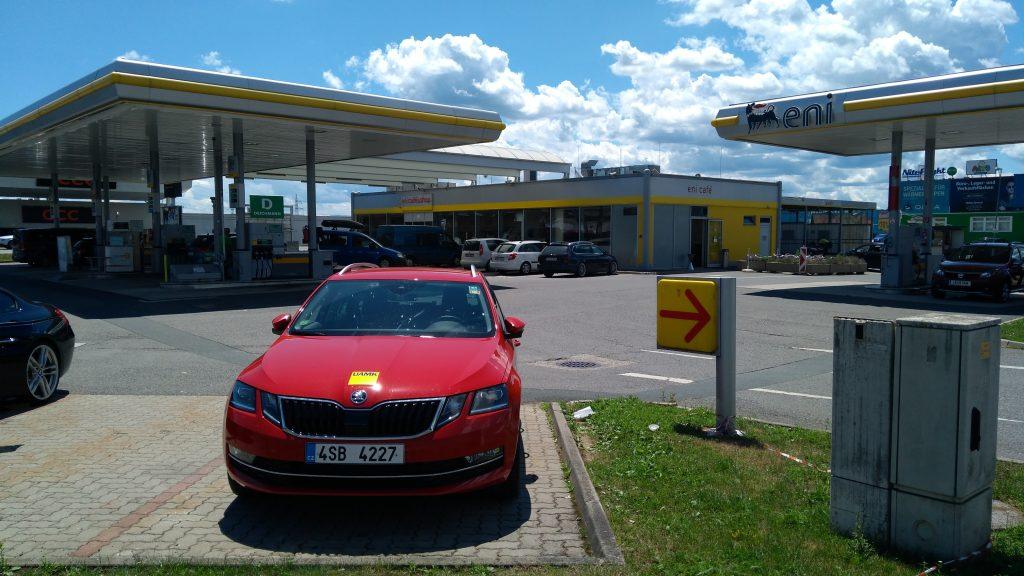 Škoda Octavia Combi G-Tec tankuje CNG - eni