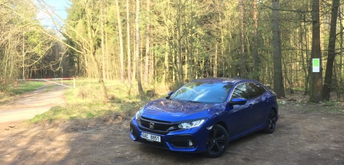 Honda Civic 1,0 VTEC TURBO 95 kW CVT – zepředu