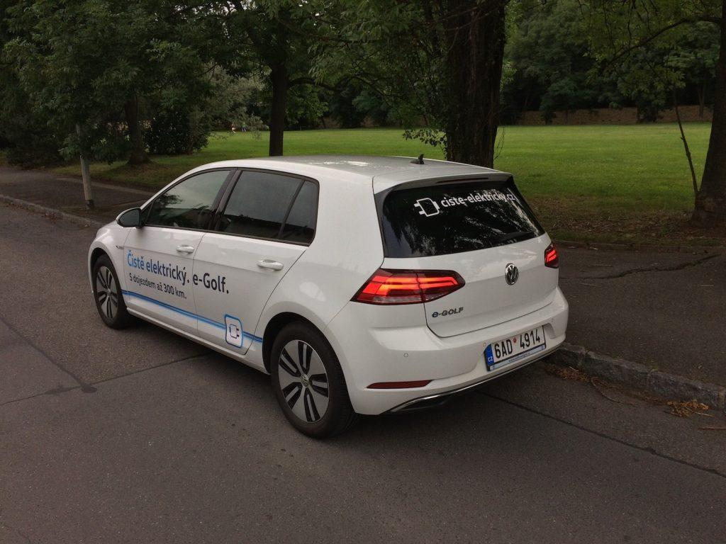 Volkswagen e-Golf (100 kW) - zezadu