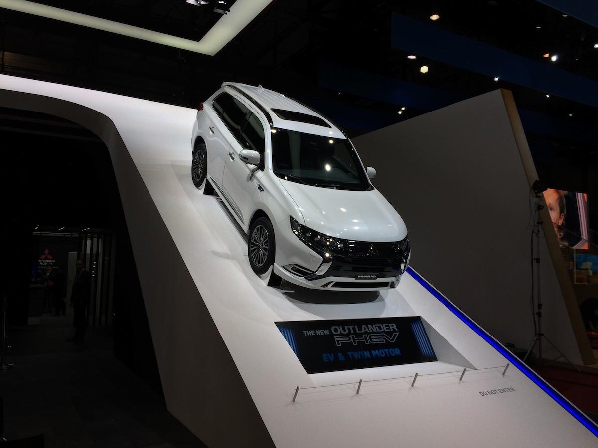 Mitsubishi Outlander PHEV - Ženeva 2018
