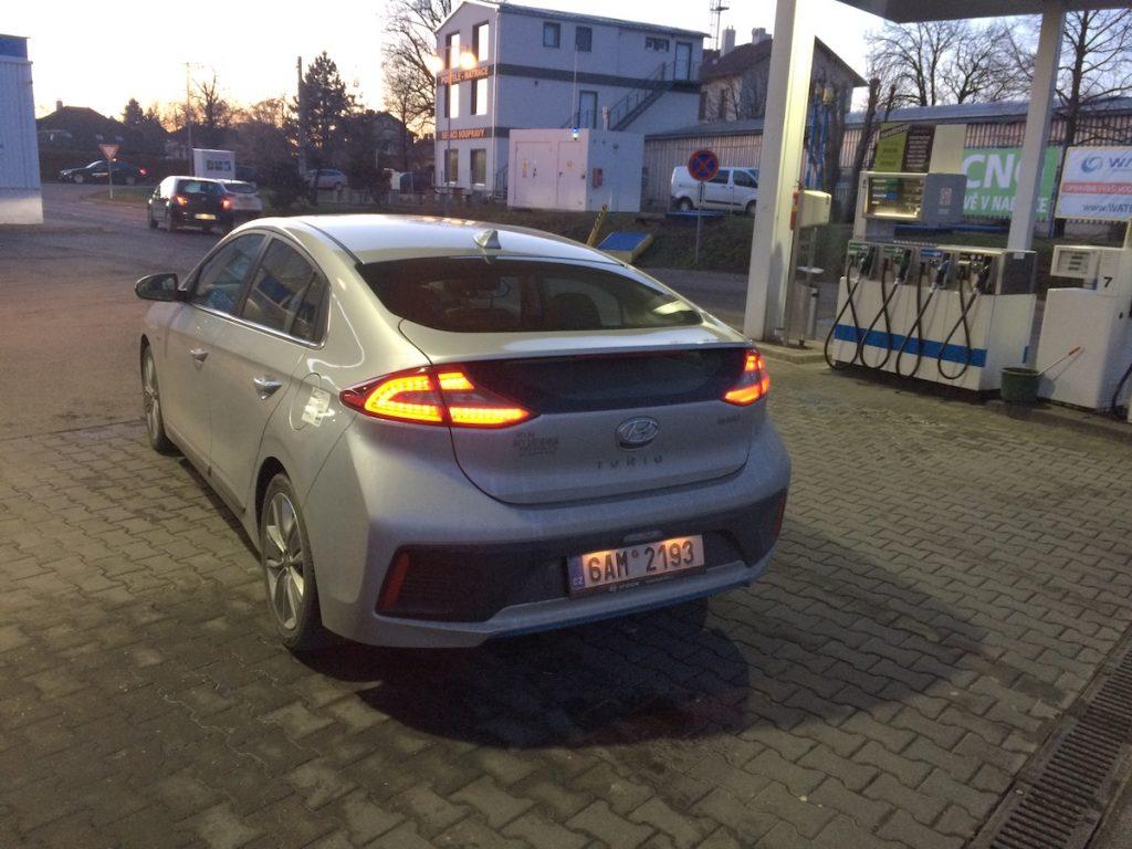 Hyundai Ioniq Hybrid - Rudná, po 1030 km na jednu nádrž