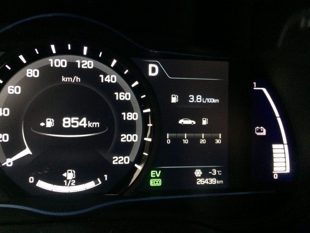 Hyundai Ioniq Hybrid - spotřeba 3,8 l/100 km