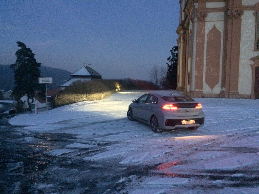 Hyundai Ioniq Hybrid - Valeč