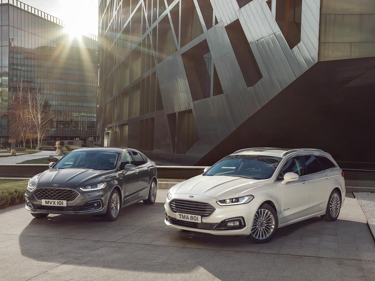 2019 Ford Mondeo Hybrid - sedan i kombi