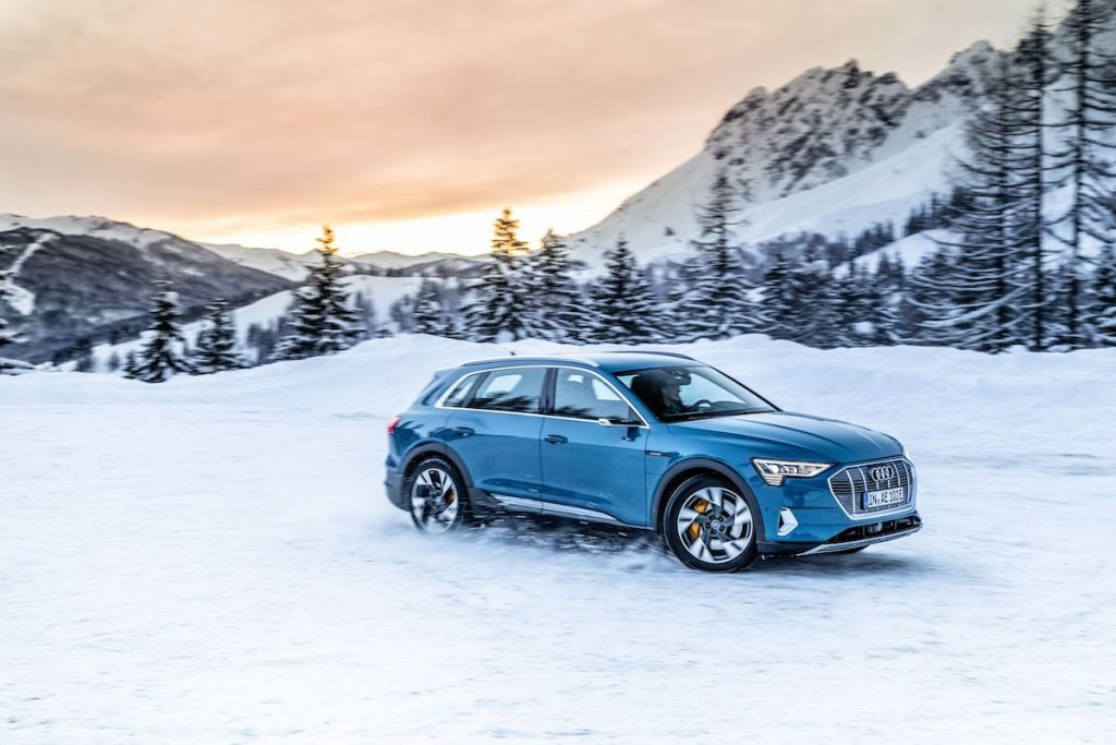 Audi e-tron na sněhu