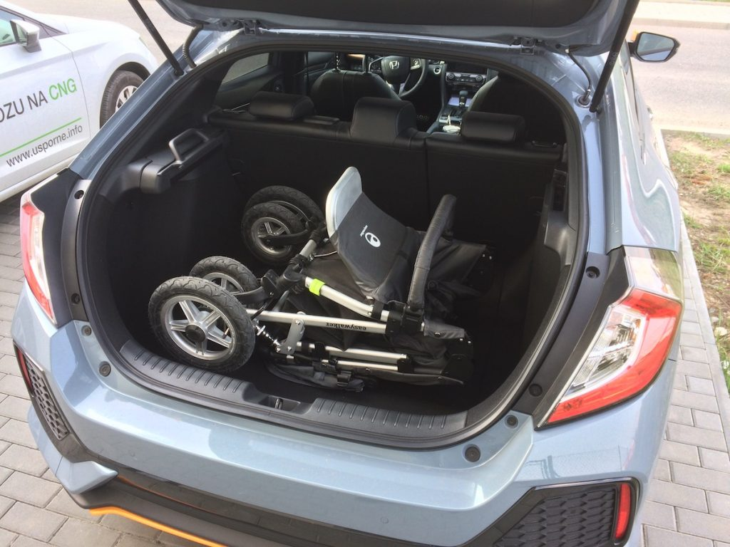 Honda Civic 1,5 VTEC TURBO - zavazadlový prostor