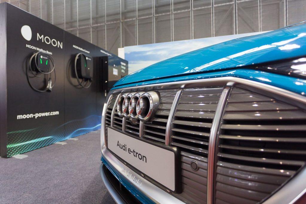 Audi e-tron a nabíjecí stanice Moon - Amper 2019