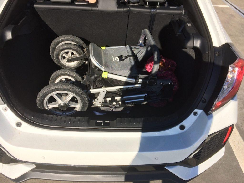 Honda Civic-1.0 VTEC TURBO zavazadlový prostor