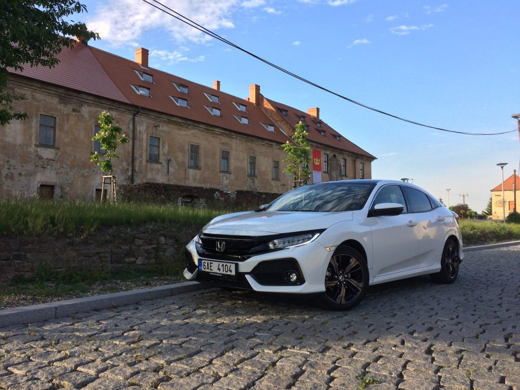 Honda Civic 1.0 VTEC TURBO 96 kW zepředu