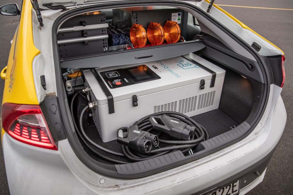 Hyundai Ioniq Mobile Charger - nabíječka v kufru