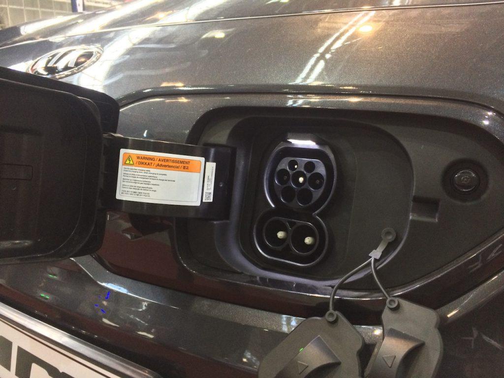 Kia e-Niro - zásuvka nabíjeni - CCS/Mennekes