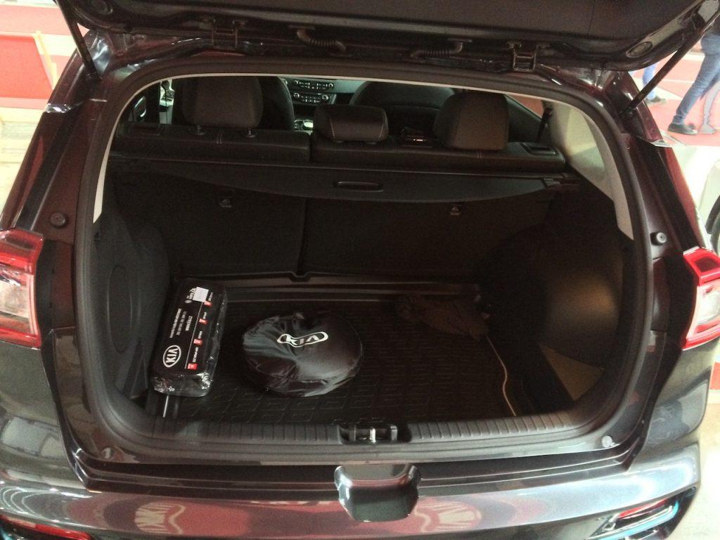 Kia e-Niro zepředu - zavazadlový prostor