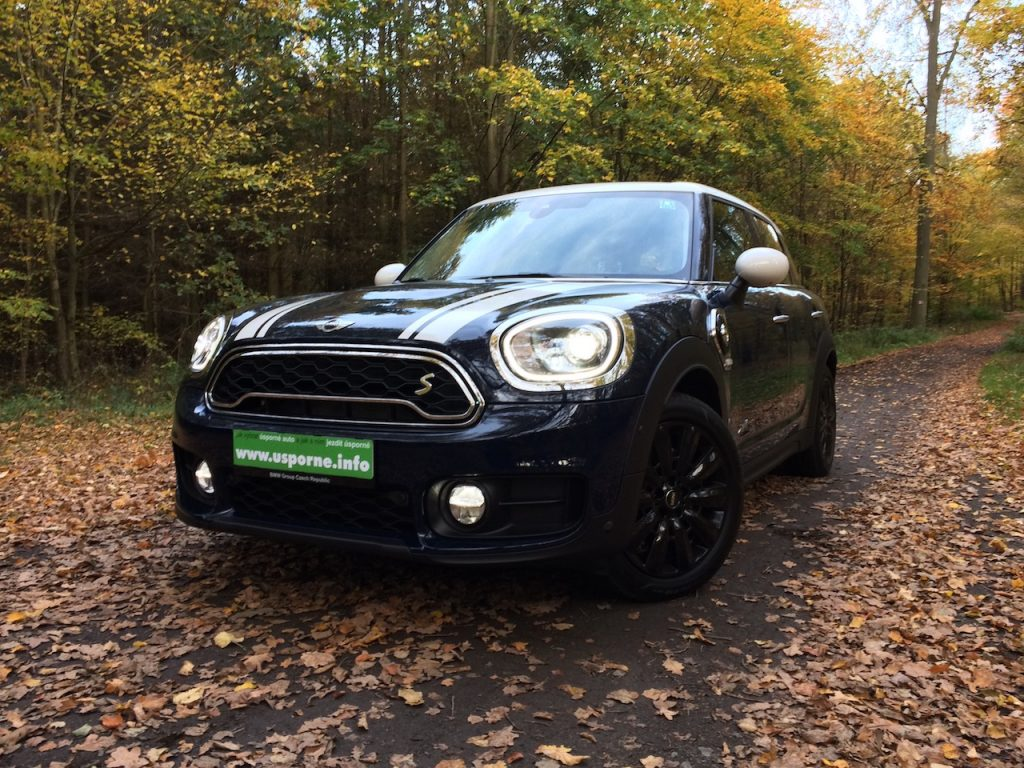 Mini Countryman S E All4 - zepředu