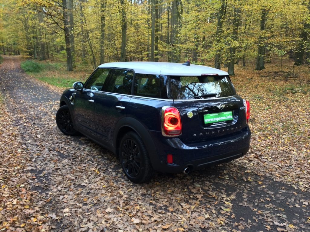 Mini Countryman S E All4 - zezadu -z boku
