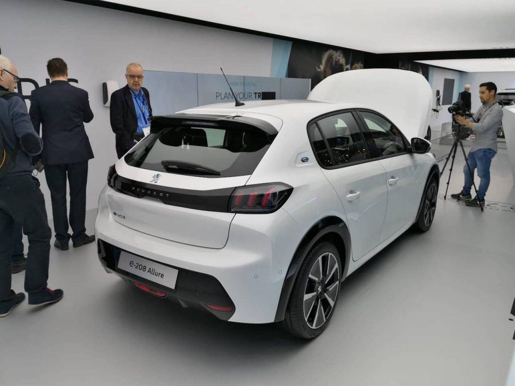 Peugeot e-208 - zezadu - Ženeva 2019